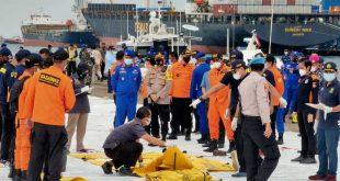 SAR Polri Temukan 14 Bagian Tubuh Penumpang dan 53 Properti Pesawat