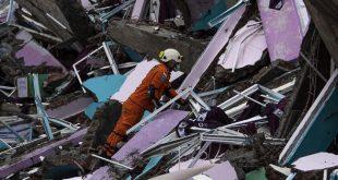 Hari Kedua Pencarian Korban Gempa di Sulbar