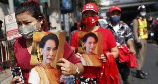 Makin Panas! Rakyat Myanmar Turun ke Jalan Lawan Kudeta